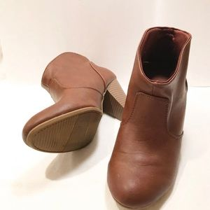American Eagle outfitters brown ankle high boots